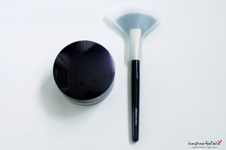 Laura Mercier Translucent Loose Setting Powder & Fan Powder Brush Review, Before & After