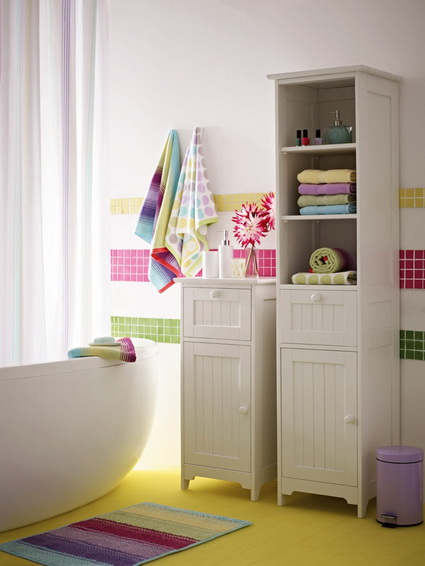 Bathrooms With Lots of Color 2