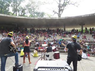 """Ecobanda no anfiteatro do Parque Estadual do Jaraguá durante tradicional evento do """"Dia da Criança"""". Foto: Daniel Silva / Secretaria do Meio Ambiente"""