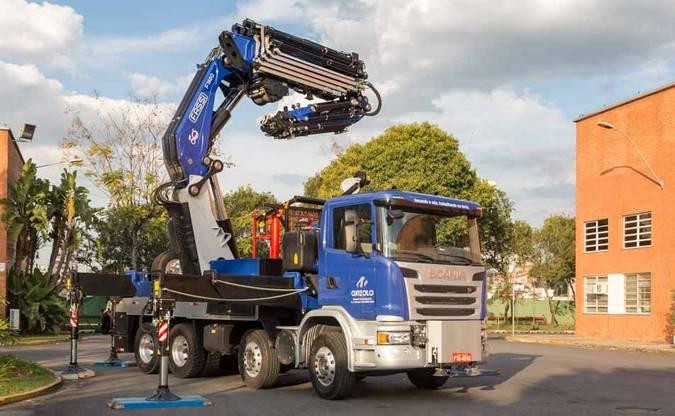 Scania e Cunzolo apresentam o guindaste de maior capacidade de carga da América Latina