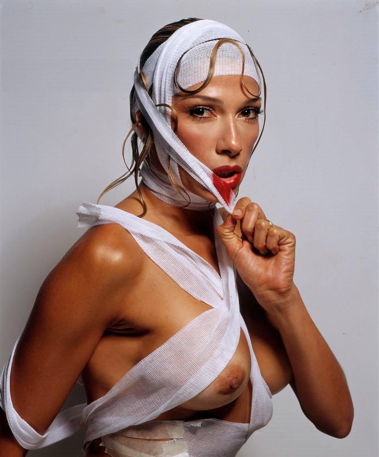 Lola actriz porno argentina enfiestada en una asado - 2 part 10