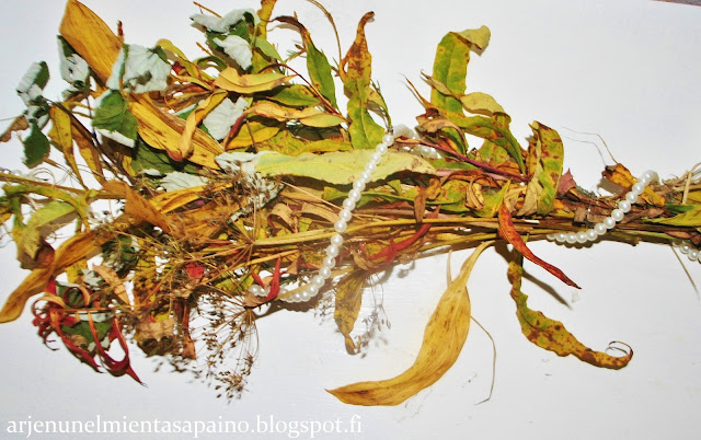 asetelma, diy, kasvit, syksyinen, lehdet, helmet, koti,