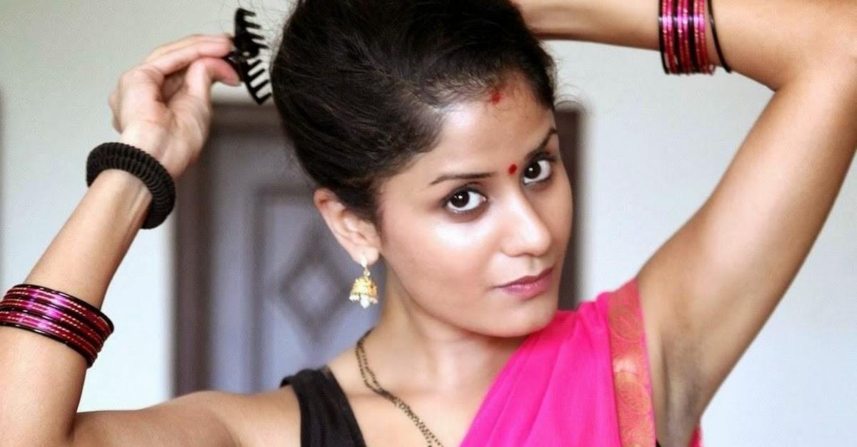 Indian Desi Bhabhi Hot Saree Photos - 3 Pics