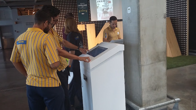 Ikea Neo kiosco interactivo