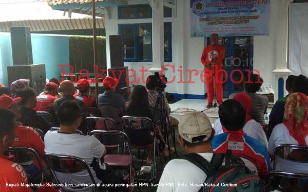bupati majalengka sutrisno hadiri hpn di kantor pwi