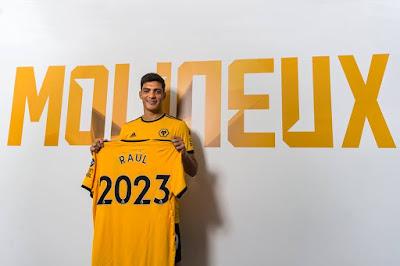 Wolves comparan Raúl Jiménez