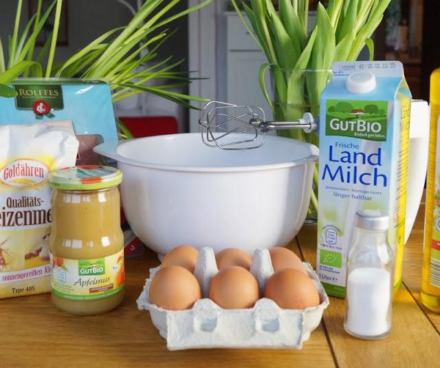 Rezept: Einfache Pfannkuchen für Kinder. Eierpfannkuchen, die ganz einfach gelingen und die Ihr mit lecker Apfelmus oder aber Schinken genießen könnt!