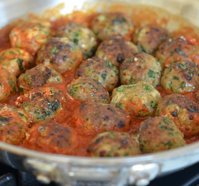 Turkey, Spinach & Cheese Meatballs #dinner #vegetarian