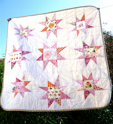 """Circle of Stars Quilt Along"" Free Pattern Organized by Kerry from Very Kerry Berry"