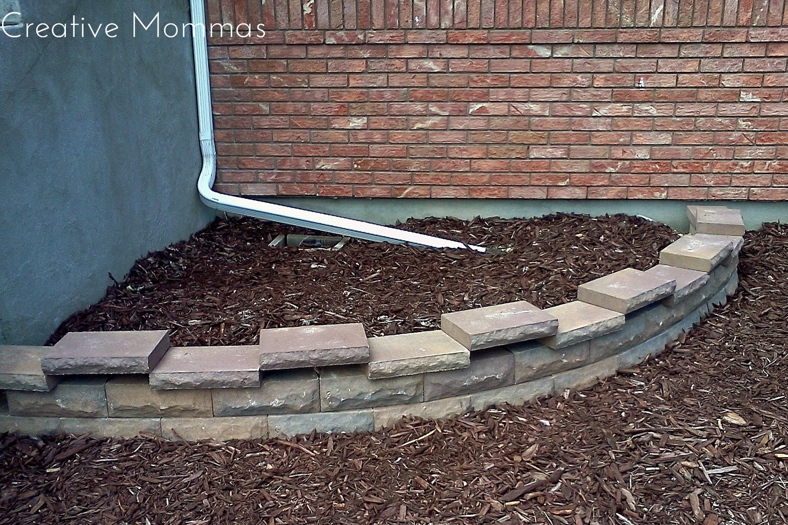 Cutting A Concrete Block Wall : Creative mommas curved retaining wall