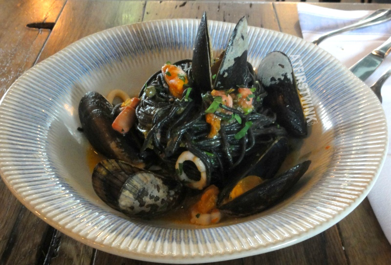 Jamie's Italian Markthal squid mussels spaghetti nero