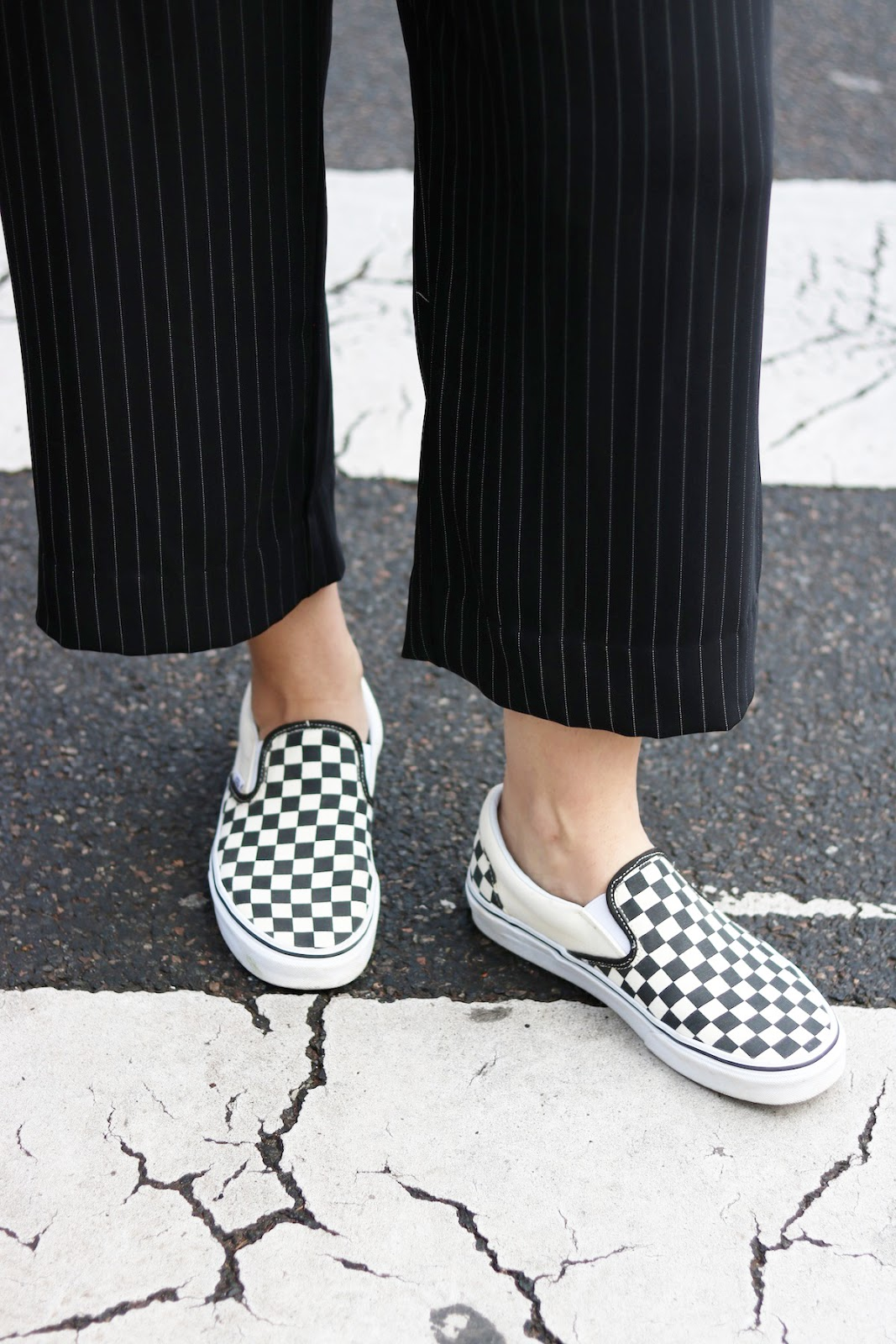 vans checkered slip ons outfit