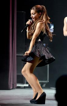 Profil Biodata Artis Penyanyi Cantik Ariana Grande