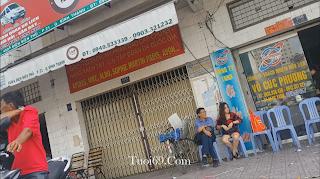 Clip: Chị gái tuổi xồn xồn phơi lồn giữa phố^^