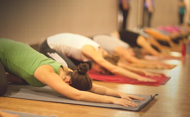 Programa Jovem de Expressão oferece aulas de Yoga gratuitas em Ceilândia