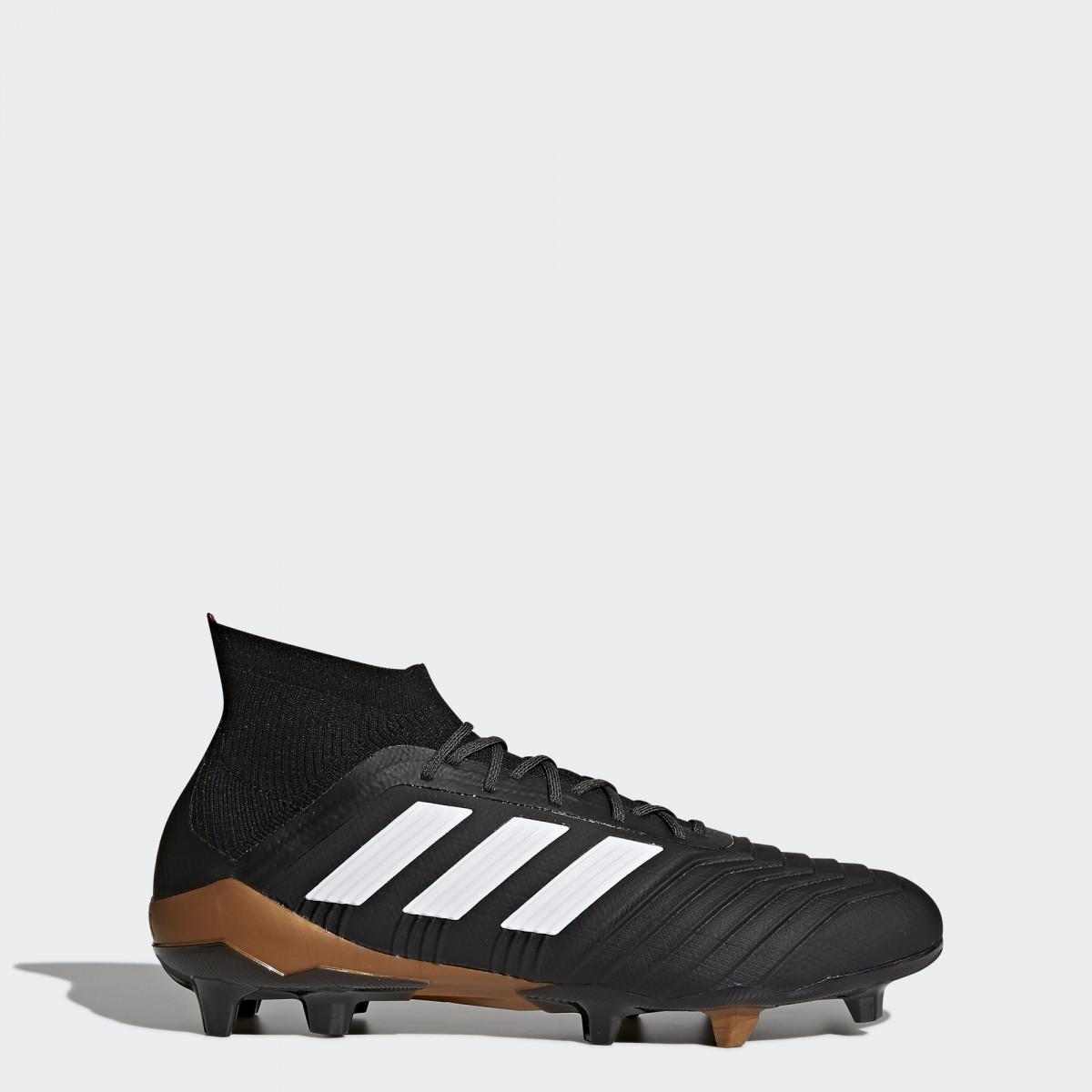 Sepatu ini dilengkapi upper Controlskin yang ringan namun kuat dan kerah sepatu  adidas Primeknit ... 1814cd51c8