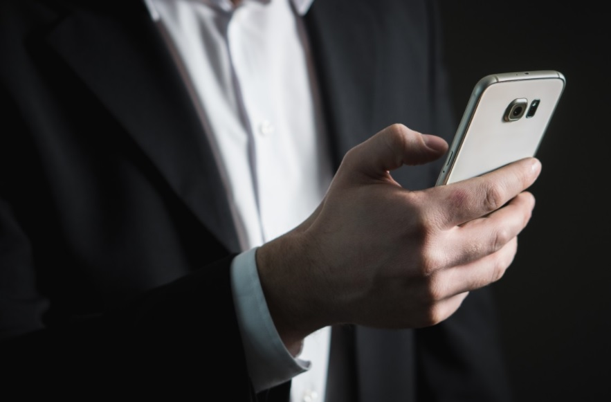 Entrepreneur's Guide To Staying Connected On The Go