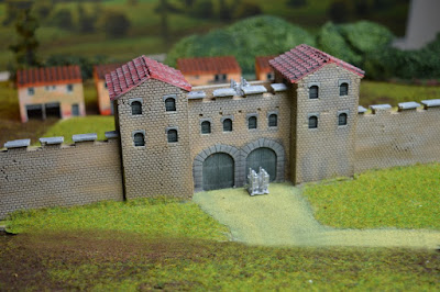 Gatehouse 1:144 (10 - 12mm) (Code: nj-144-rom1) 2