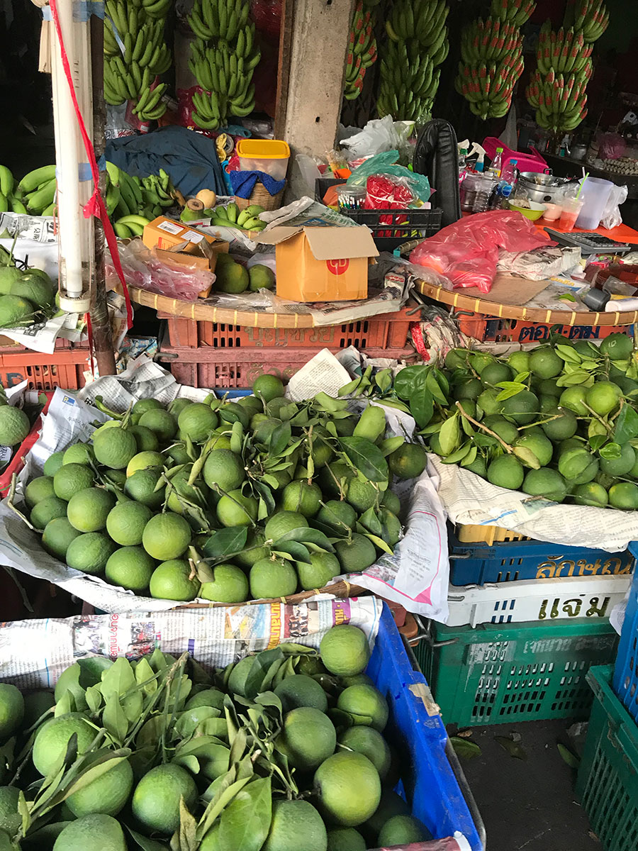 Lime på marknad i Bangkok
