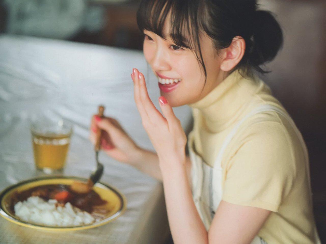 Hori Miona 堀未央奈 Nogizaka46, Manga Action 2017.03.21 No.06 (漫画アクション 2017年06号)