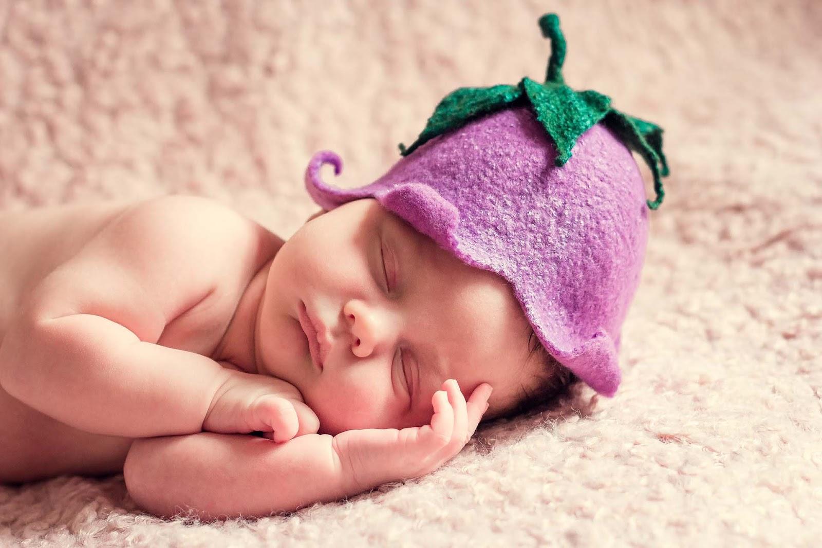 cute sleeping baby wallpaper