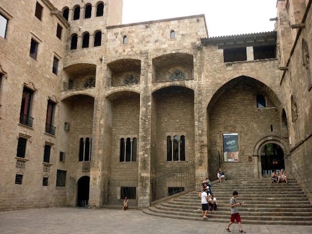 itinerario per il centro di Barcellona, il quartiere gotico