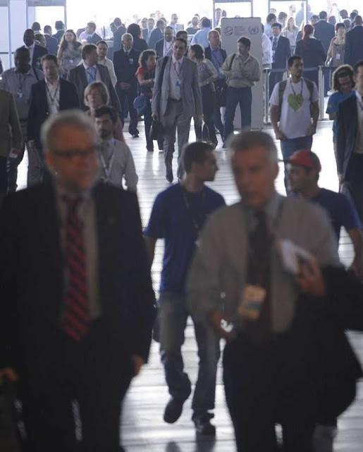 Funcionários sequiosos dos governos  têm mais chances que cientistas e professores honestos.  Foto: Rio+20, agência Brasil