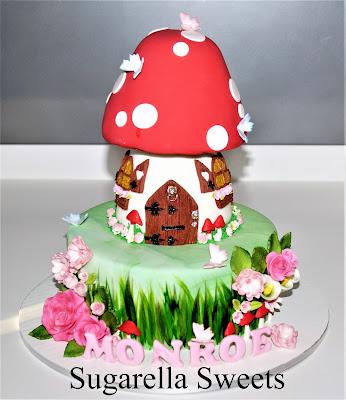 http://www.amazingcakeideas.com/2017/01/14/competition-captivating-cake-world/11/