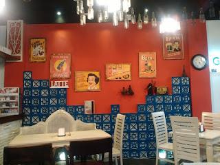 lantai satu kedai kopi