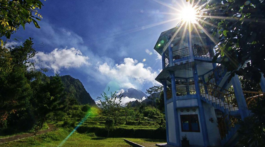 cara melihat letusan gunung merapi di Gardu Pandang Kaliurang dan Taman Lampion Kaliurang