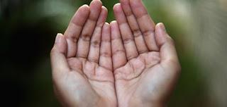 Doa Memakai Baju Ihram