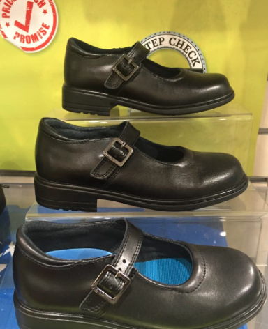 25297a5834ee4 To be honest I liked shopping at Williams Shoes a heck of a lot more as  they know what they are talking about in the shoe department and just plain  have the ...