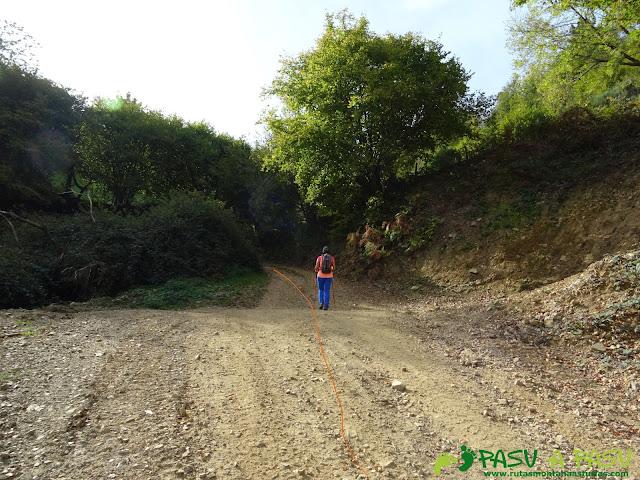 Ruta Pomar de las Montañas: Subiendo al Pozo de las Montañas