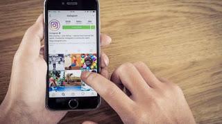 Ilustrasi aplikasi Instagram di ponsel pintar (Shutterstock). updetails.com