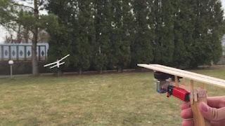 Pelontar Pesawat Mainan Buatan Sendiri
