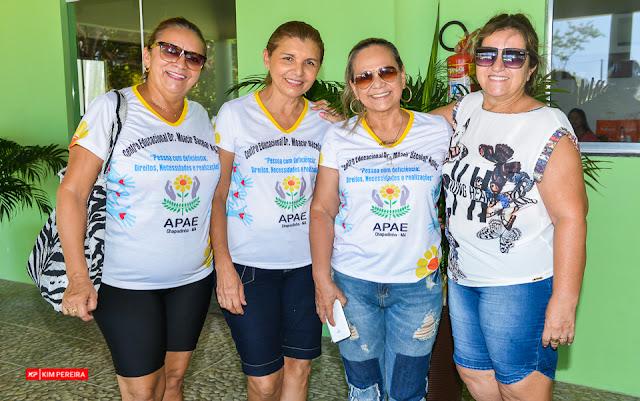 Parque Aquático Torre do Sol Realiza Festa Das Crianças aos Alunos da APAE