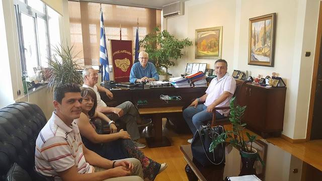 Συνάντηση του Δημάρχου Λαρισαίων Απόστολου Καλογιάννη με τους επικεφαλής - εκπροσώπους παρατάξεων