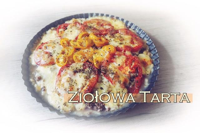 Ziołowa tarta z mięsem mielonym, pomidorami & mozzarelą