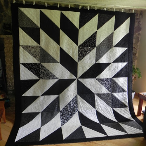 Black and White HST Quilt