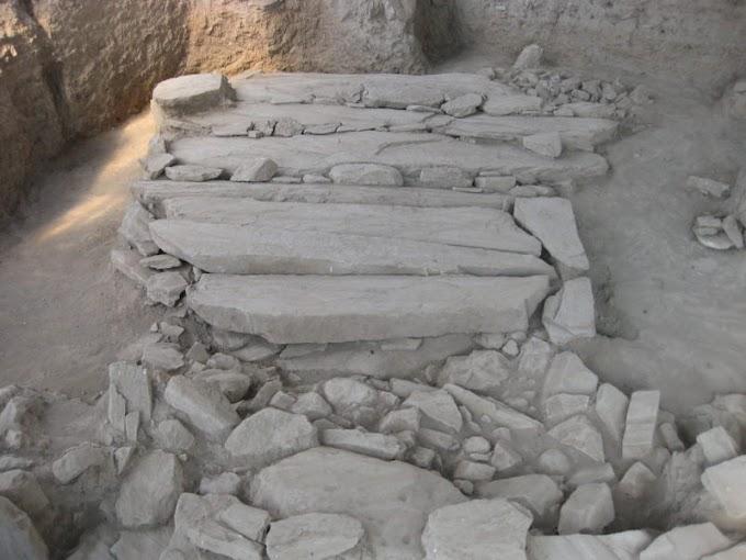 Ο μεγάλος θάλαμος με πολλαπλές ταφές που αποκαλύφθηκε στον μυκηναϊκό οικισμό στο Διμήνι
