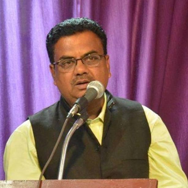 प्रवासी परिधि में स्वदेशी चकाचौंध (तेजेंद्र शर्मा की कहानियों के बहाने ): डॉ राजेश श्रीवास्तव, भोपाल (म०प्र०)
