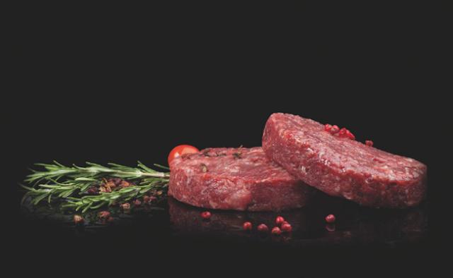 تصوير الطعام - طبق اللحم المحمر