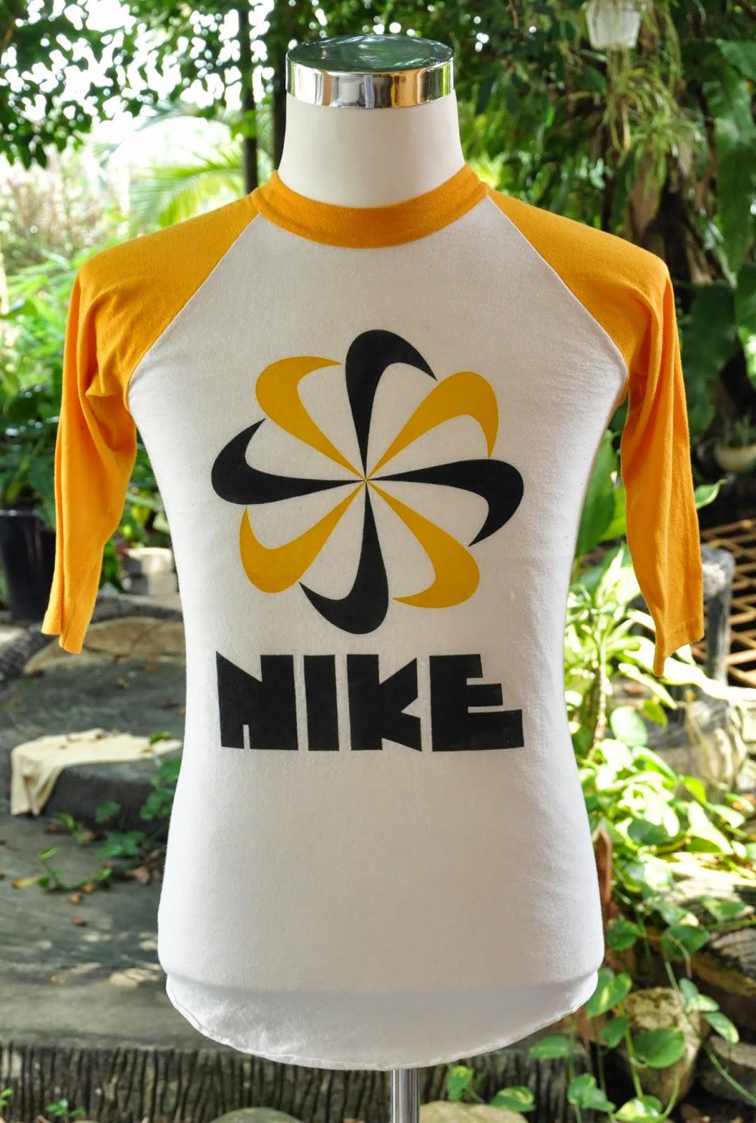 18f7be27 Welcome to KiX Bundle - 0179552993: Vintage Nike Pinwheel 3Quarter 50/50