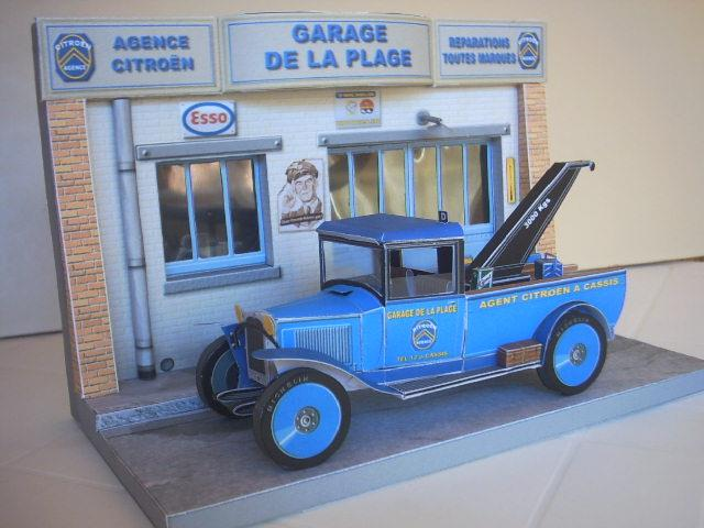 Great Garage De La Place   French Garage Paper Model Diorama   By Maxi