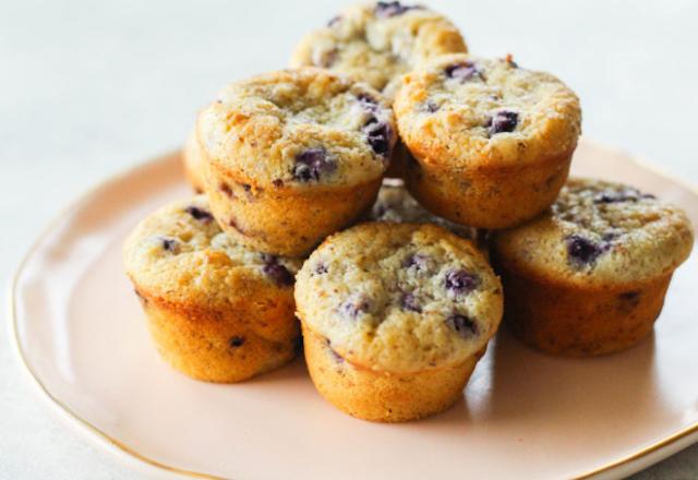Super Moist Mini Blueberry Muffins
