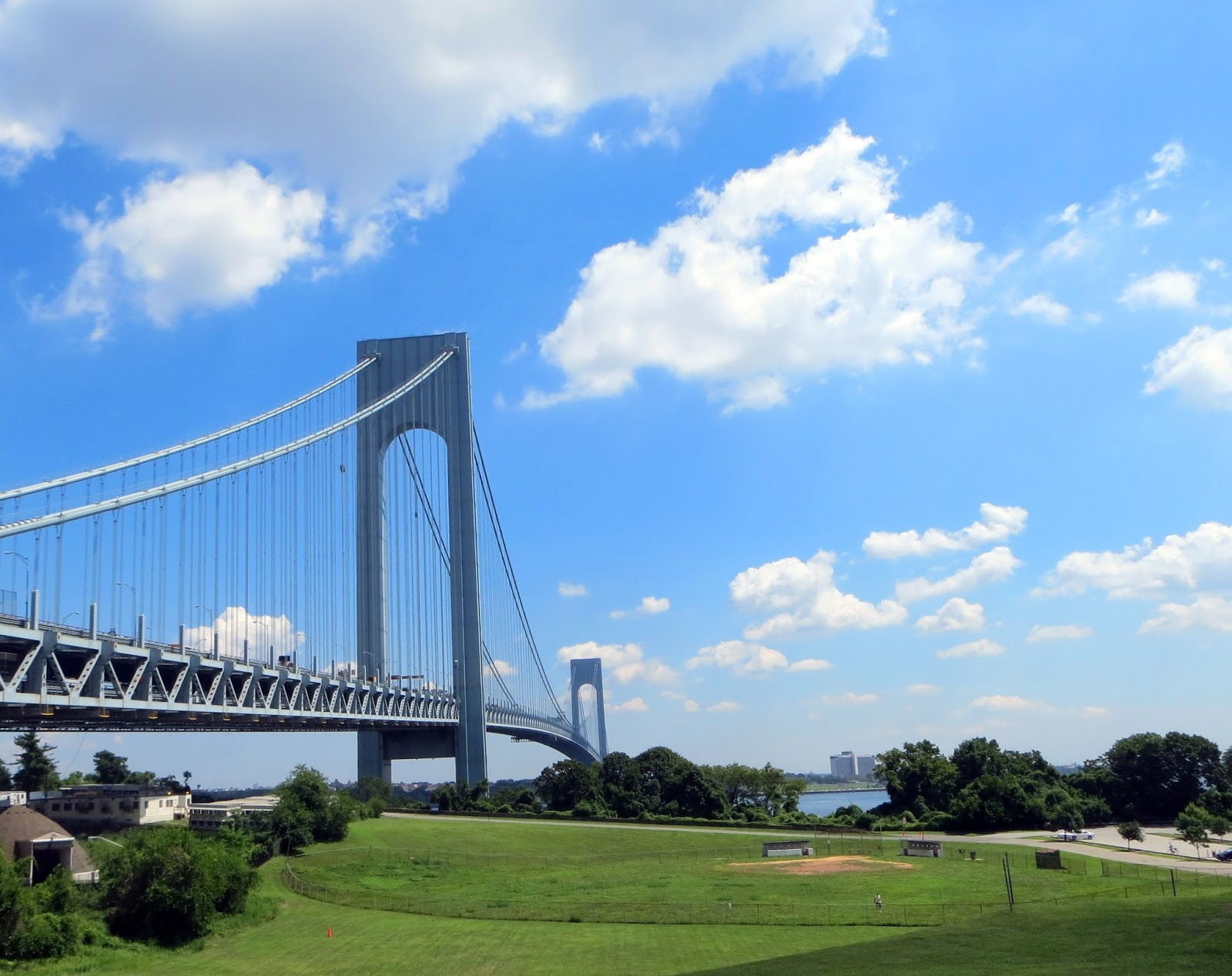 A view of the Verrazano-Narrows Bridge 5190d9e4892a