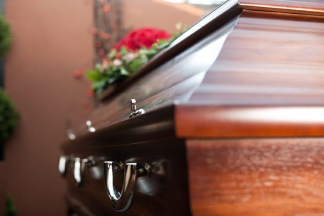 Dar a luz depois de morta (Imagem: Reprodução/Listverse)