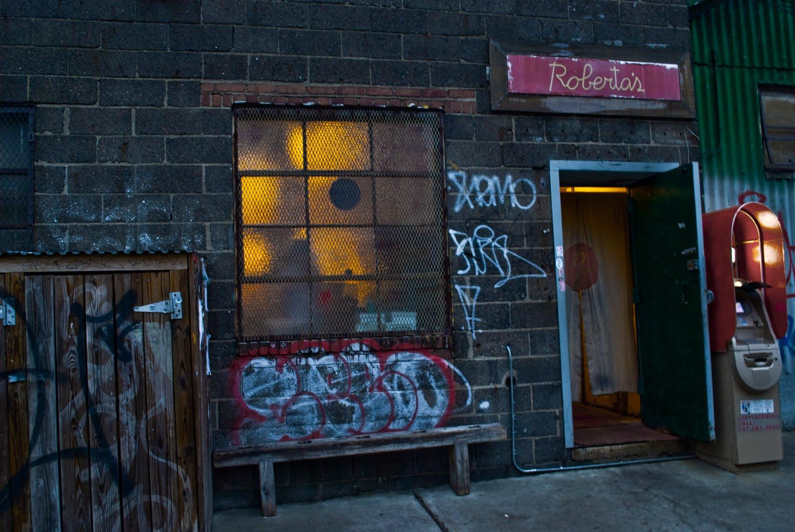 Entertaining Eats Roberta S Pizza Brooklyn