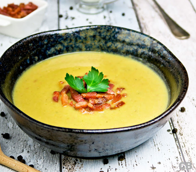 Recept Romige aardappel-preisoep met krokante spekjes