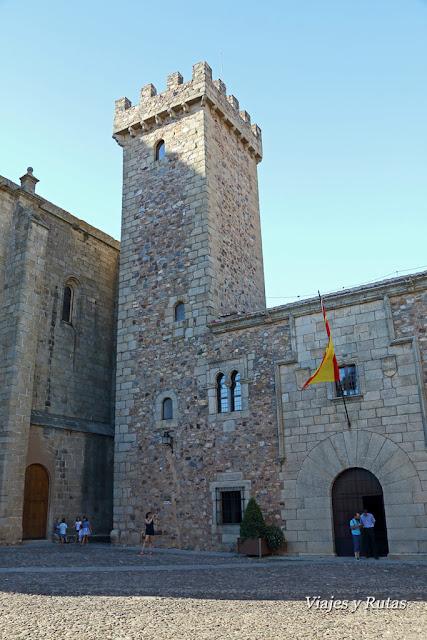 Palacio y Torre de las Cigüeñas, Cáceres
